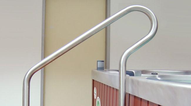 Zábradlí kotvené do podlahy Wellis StairRail