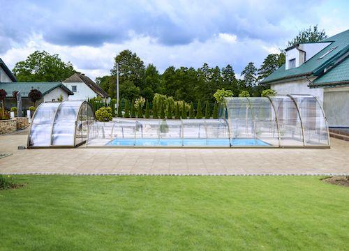 Montážní technik bazénového zastřešení